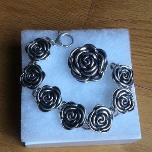 Jewelry - Sterling silver flower pendant & bracelet. EEUC!